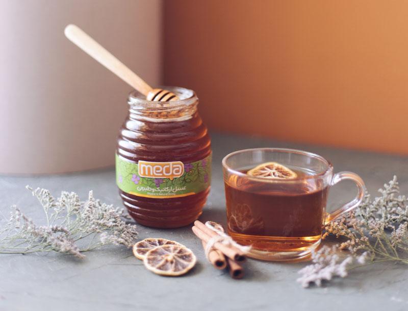 meda-honey-ad-with-tea